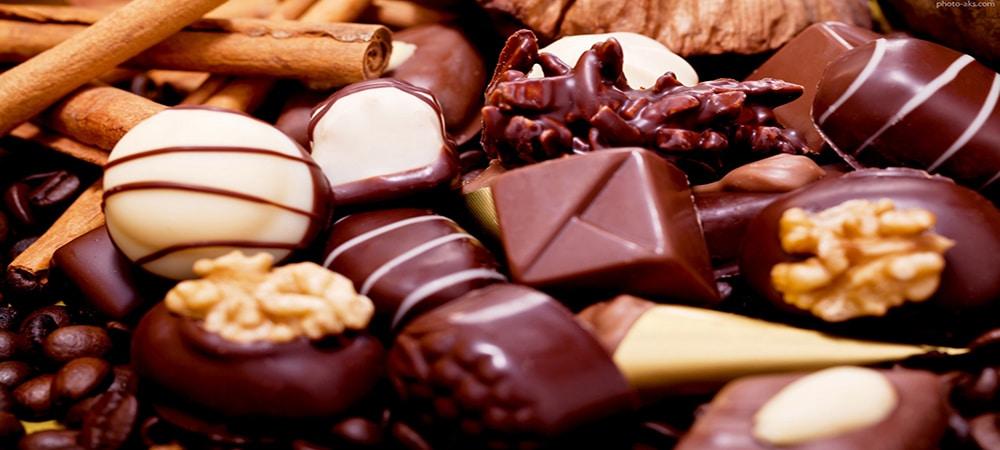 شکلات و شیرینی